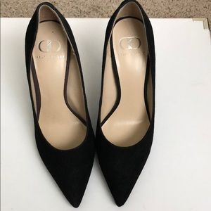 Brand new suede Kelsi Dagger pumps!